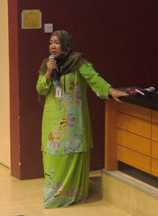 Dr. Andi Anggeriana, delivered her talk