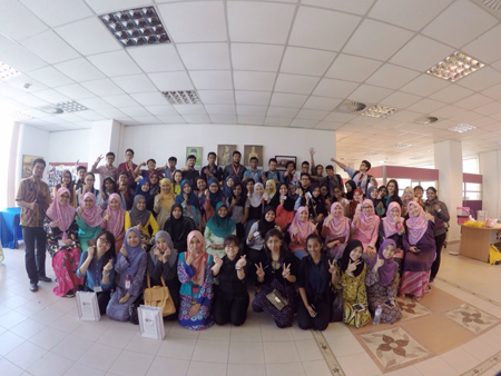 Photo session between CaRE staff and MSU lecturer & students